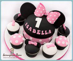 Big Cake Little Cakes : Minnie Mouse by Scrumptious Buns (Samantha), via Flickr
