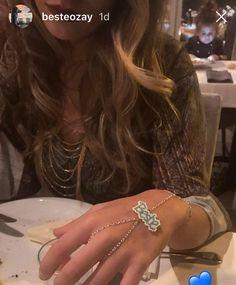 En eğlenceli şahmeran bende olsun diyenler 💙 👉 #nubynu   #handmade #design #accessories #fashion #moda #girl #woman #luxury #trend #takı #jewellery #tasarım #style #aksesuar #miyuki #bileklik #bracelet #kişiyeözel #şahmeran #best #summerfashion