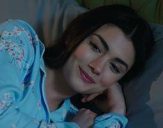 Prety Girl, Cute Baby Quotes, Best Love Lyrics, Turkish Beauty, Cute Girl Photo, Indian Beauty Saree, Turkish Actors, Beautiful Celebrities, Girl Photography