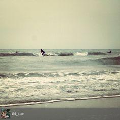 Equilibri di un martedì di festa #myrimini #rimini #surf #autunnoincittà #sea #waves Di @l_auc #regram