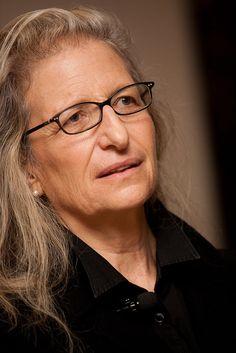 Annie Leibovitz. Great Photographer!!!