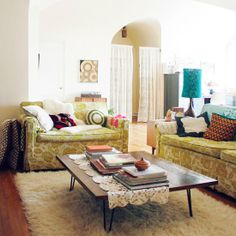 Vintage living room ideas (image by Mandi)