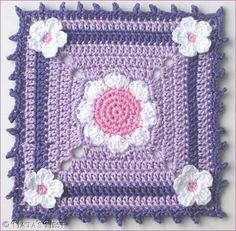 Natas Nest: Daisy Granny Mug Rug - Free Pattern. ☀CQ #crochet #grannysquare  http://www.pinterest.com/CoronaQueen/crochet-granny-squares-and-motifs-corona/