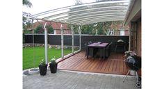 Åben og overdækket terrasse