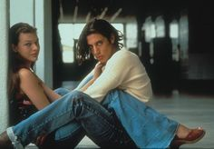 Milla Jovovich (Michelle) and Shawn Andrews (Kevin Pickford) Best Teen Movies, Good Movies, Iconic Movies, Movie Couples, Cute Couples, Movies Showing, Movies And Tv Shows, Dazed And Confused Movie, Pretty People