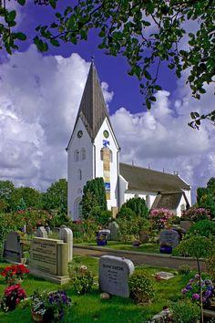 Die St. Clemens-Kirche in Nebel auf Amrum wurde 1236 erbaut.