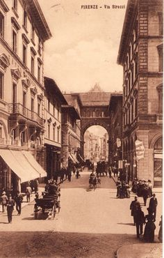 Florence, 1908 http://www.pinterest.com/patriziaf/edwardian-titanic/