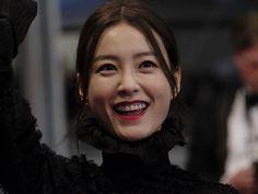 Jung Yu-mi (Bu-San-Haeng) |.| Cannes 2016 Cg, Korean Actresses, Turtlenecks, Cannes, Discovery, Braids, Celebs, Star, Street