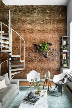 We toured the industrial NoHo loft apartment of a New York–based private equity analyst—and chatted with his Homepolish designer on all things décor. 50 Awesome Industrial Apartment Projects To Accent Your Industrial Loft Apartamento Loft Industrial, Loft Estilo Industrial, Industrial Apartment, Industrial House, Industrial Style, Industrial Design, Industrial Bedroom, Industrial Wallpaper, Modern Loft Apartment