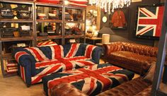I want this couch. I'd love it in the union jack pattern, but I would also take it in a solid colour as well.