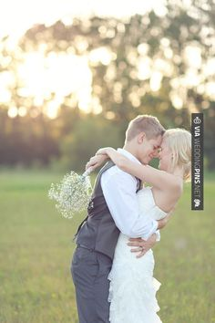 So cool - in love   //  jenn guthrie photography | CHECK OUT MORE GREAT VINTAGE WEDDING IDEAS AT WEDDINGPINS.NET | #weddings #vintagewedding #weddingvintage #oldweddingphotos #events #forweddings #iloveweddings #romance #vintage #planners #old #ceremonyphotos #weddingphotos #weddingpictures