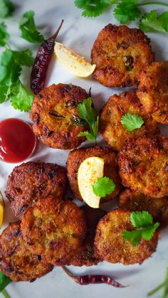 Great Recipes, Snack Recipes, Vegan Patties, Raw Banana, Tea Time Snacks, Indian Food Recipes, Ethnic Recipes, Tandoori Chicken, Street Food