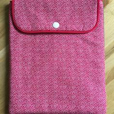 Housse pour ipad, ipad air ou tablette de même dimensions  rose et gris