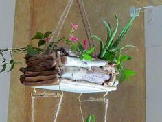 objet-en-bois-flotté-cadre-en-bois-flotté-decoration-nature-mobile-bois-flotté Planter Pots, Creations, Decoration, Christmas, Do It Yourself Crafts, Hanging Gardens, Decor, Xmas, Navidad