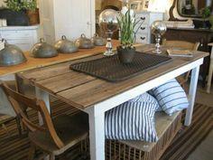 Farm House Design: A Traditional FarmHouse Table Farmhouse Style Table, City Farmhouse, Farmhouse Interior, Rustic Table, Farmhouse Decor, Farmhouse Furniture, Diy Furniture, Creation Deco, Kitchen Stories