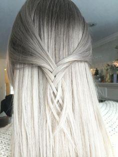 Metallic white blonde by @hairbyac_alcorn