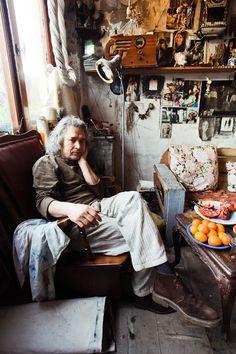 Melih Ozuysal: amazing images of this Turkish artist's studio/home.