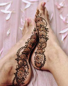 Pretty Henna Designs, Modern Henna Designs, Latest Henna Designs, Mehndi Design Photos, Mehndi Designs For Fingers, Mehndi Designs For Hands, Henna Tattoo Designs, Mehandi Designs, Leg Mehendi Design