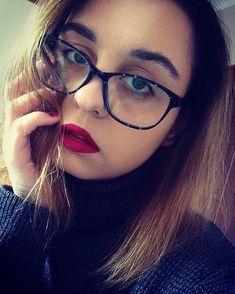 361c33f84 Lábios Vermelhos