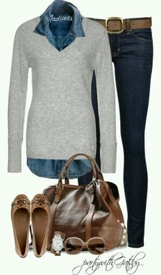 Sweater, denim, skinny jeans with flat shoes.