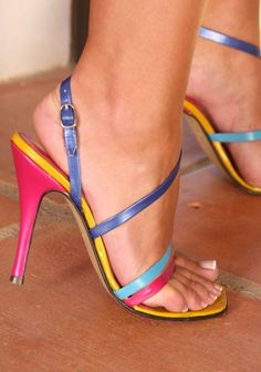 Looking for pictures, gifs and videos of female feet Sexy High Heels, Beautiful High Heels, Open Toe High Heels, Hot Heels, Strappy Heels, Stiletto Heels, Sexy Zehen, Talons Sexy, High Heels Plateau
