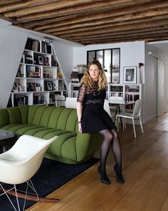 Noémie, Paris 2ème - Inside Closet