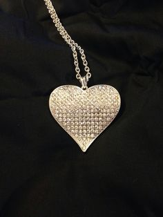 Waved Plate Stone Heart Necklace