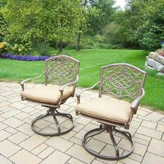 Mississippi Swivel Rocker Chair with Cushion