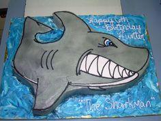 @Jill Meyers Shark Cake for Clayton...cute!