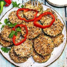 Pieczeń z mięsa mielonego z pieczarkami/Pieczeń rzymska | Di bloguje Salmon Burgers, Mozzarella, Ethnic Recipes, Food, Essen, Meals, Yemek, Eten