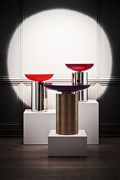 "The perfect piece of ""jewelry"" for a contemporary space. The""Cackatoo Side Table"" from Powell and Bonnell - Polished and etched resin table top supported on a cylindrical metal base. Resin table top available in 8 colours. Home Bar Furniture, Cool Furniture, Furniture Design, Handmade Furniture, Interior Design Magazine, Interior Design Inspiration, Resin Table Top, Best Living Room Design, Modern Table"