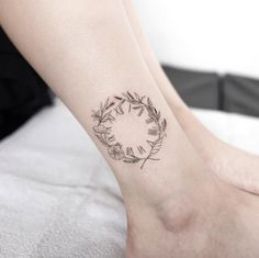 Laurel wreath clock tattoo by Hongdam