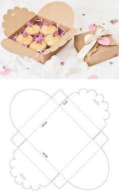 Caja de cartón para galletas – Cardboard box for cookies – The post Cardboard box for cookies – # biscuits appeared first on Craft Ideas. Diy Gift Box, Diy Box, Paper Gifts, Diy Paper, Paper Craft, Paper Box Template, Box Templates, Origami Templates, Box Patterns