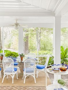 outdoor space inspiration from #hgtvmagazine http://www.hgtv.com/decorating-basics/motherdaughter-decorating/pictures/page-8.html?soc=pinterest