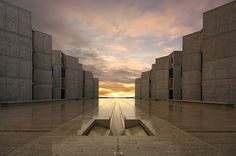 Louis Kahn's Meeting House Salk Institute in La Jolla, California _ lee sie