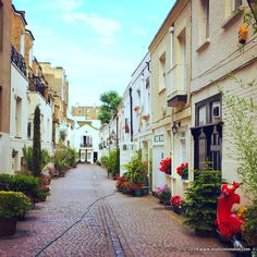 Stanhope Mews in London - good places to take photographs of side streets in london