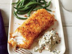 Panko is the secret ingredient that makes these crispy, oven-fried fish fillets a family favorite. The lemon-dill sauce is the perfect compliment and 300 Calorie Dinner, Low Calorie Dinners, Low Calorie Recipes, Healthy Recipes, Healthy Meals, Healthy Food, Healthy Tips, Healthy Eating, Cod Recipes