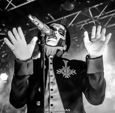 "887 Likes, 8 Comments - TheRealNoelMorgan (@therealnoelmorgan) on Instagram: ""◍ Papa Friday is here! ◍ ✋ Have a great weekend everyone! . #thebandghost"""