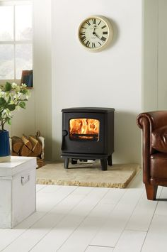 New to the Dovre range of wood burning and multi-fuel stoves is the distinctive 225. Featuring a square firebox, subtle curving details and compact dimensions.