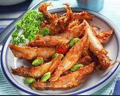 Resep Masakan Balado Cumi - Ingin memasak makanan dengan sensasi pedas, coba saja Resep Masakan balado mengombinasikan cumi asin dan petai berikut ini.