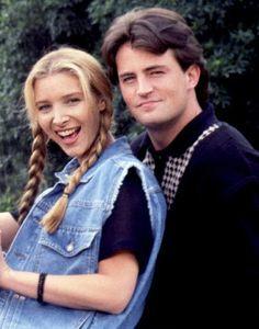 Chandler Bing and Phoebe Buffay Serie Friends, Friends Cast, Friends Moments, I Love My Friends, Friends Tv Show, Friends Forever, Friends Season 1, Friends Phoebe, Phoebe Buffay