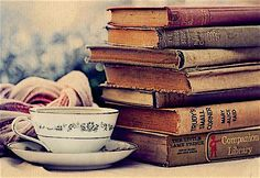 Books are like mirrors: except you only see in them what you already have inside you - Christopher Paolini Old Books, Vintage Books, Vintage Art, Antique Books, Libros Wallpaper, I Love Books, Books To Read, Reading Books, Reading Time