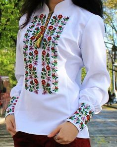 Patterns for vyshivanok circuit 11 Embroidered Clothes, Embroidered Blouse, Chemises Country, Folk Fashion, Womens Fashion, Ethno Style, Mexican Dresses, Blouse Designs, Ukraine