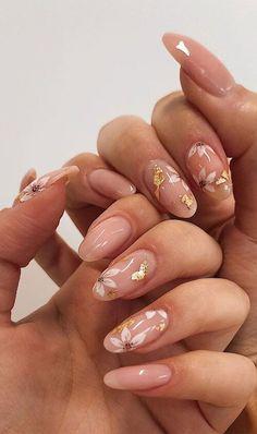 Subtle Nail Art, Neutral Nail Art, Almond Nails Designs, Gel Nail Art Designs, Bridal Nails Designs, Bridal Nail Art, Nail Tip Art, Gold Wedding Nails, Bridal Toe Nails
