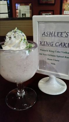 Frozen King Cake cocktail at Mestizo Restaurant. It's the season. Mexican Cocktails, Cake Vodka, Rum, Spices, Frozen, Pudding, Restaurant, King, Desserts