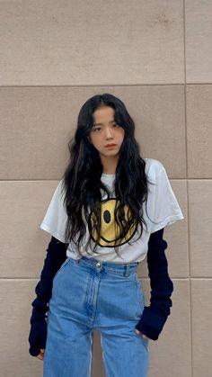 Blackpink Fashion, Korean Fashion, Fashion Outfits, Blackpink Jisoo, Kpop Outfits, Mode Outfits, Rose Winter, Tumbrl Girls, Black Pink Kpop
