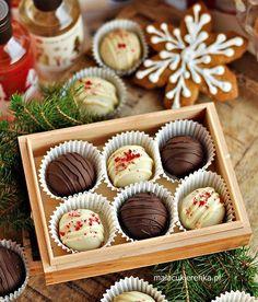 Apetyczny Prezent – Karmelowe Czekoladki z Orzechami Churros, Mini Cupcakes, Truffles, Food Inspiration, Delicious Desserts, Muffin, Sweets, Cooking, Breakfast