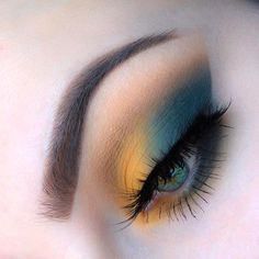 Make Up; Look; Make Up Looks; Make Up Augen; Make Up Prom;Make Up Face; Makeup Steps up eyebrows Retro Makeup, Colorful Eye Makeup, Makeup Eye Looks, Cute Makeup, Gorgeous Makeup, Makeup Goals, Makeup Inspo, Make Up Anleitung, Heavy Makeup