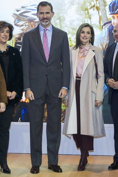 Queen Letizia of Spain Photos Photos - King Felipe VI of Spain and Queen Letizia of Spain attend the FITUR International Tourism Fair opening at Ifema on January 18, 2017 in Madrid, Spain. - Spanish Royals Attend FITUR 2017