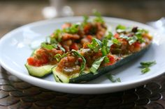 Looking for a Healthy Recipe? Try this twist on Moroccan cooking with these delicious low-carb,stuffed, spiced lamb courgette boats. Vegan Side Dishes, Vegetable Side Dishes, Food Dishes, Main Dishes, Zucchini Boat Recipes, Zucchini Boats, Squash Boats, Pork Recipes, Healthy Recipes